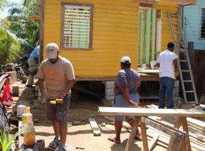 Huracán Earl : se construyó una casa para una familia en Belice