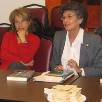 http://iadbfamilyassociation.org/iadbfa/wp-content/uploads/2014/08/ACTIVIDADES-grupo-de-lectura-2.jpg