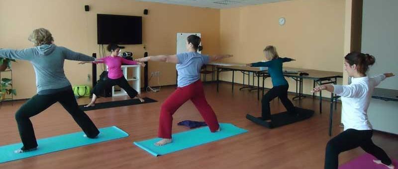 http://iadbfamilyassociation.org/iadbfa/wp-content/uploads/2014/08/yoga-grande-800x340.jpg