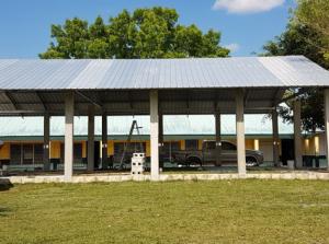Guinea Grass RC School: Construcción School Palapa Shed Población beneficiada: 470 alumnos